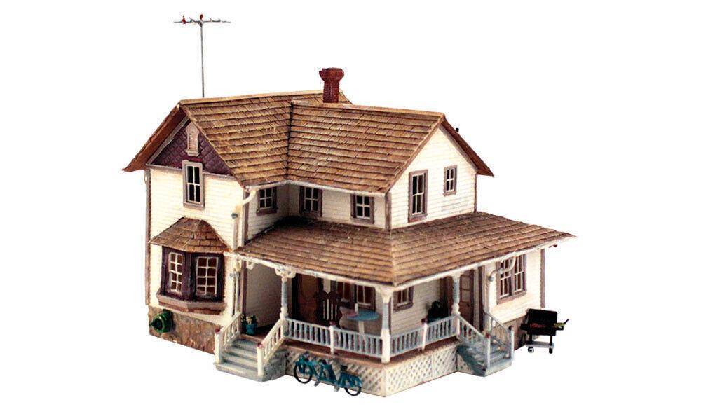 Woodland Scenics HO Scale Built-Up Building Structure Corner Porch House