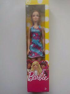 Mattel-Barbie-Chic-ROBE-BLEUE-A-FLEURS-ROUGE-T7439