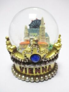 Wien-Schneekugel-Kaiserkrone-Stephansdom-Hofburg-Souvenir-Austria
