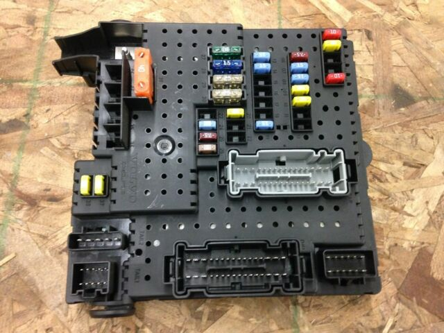 2008 volvo s60 fuse box module trunk mounted ( 28080156 ) 2005 2009