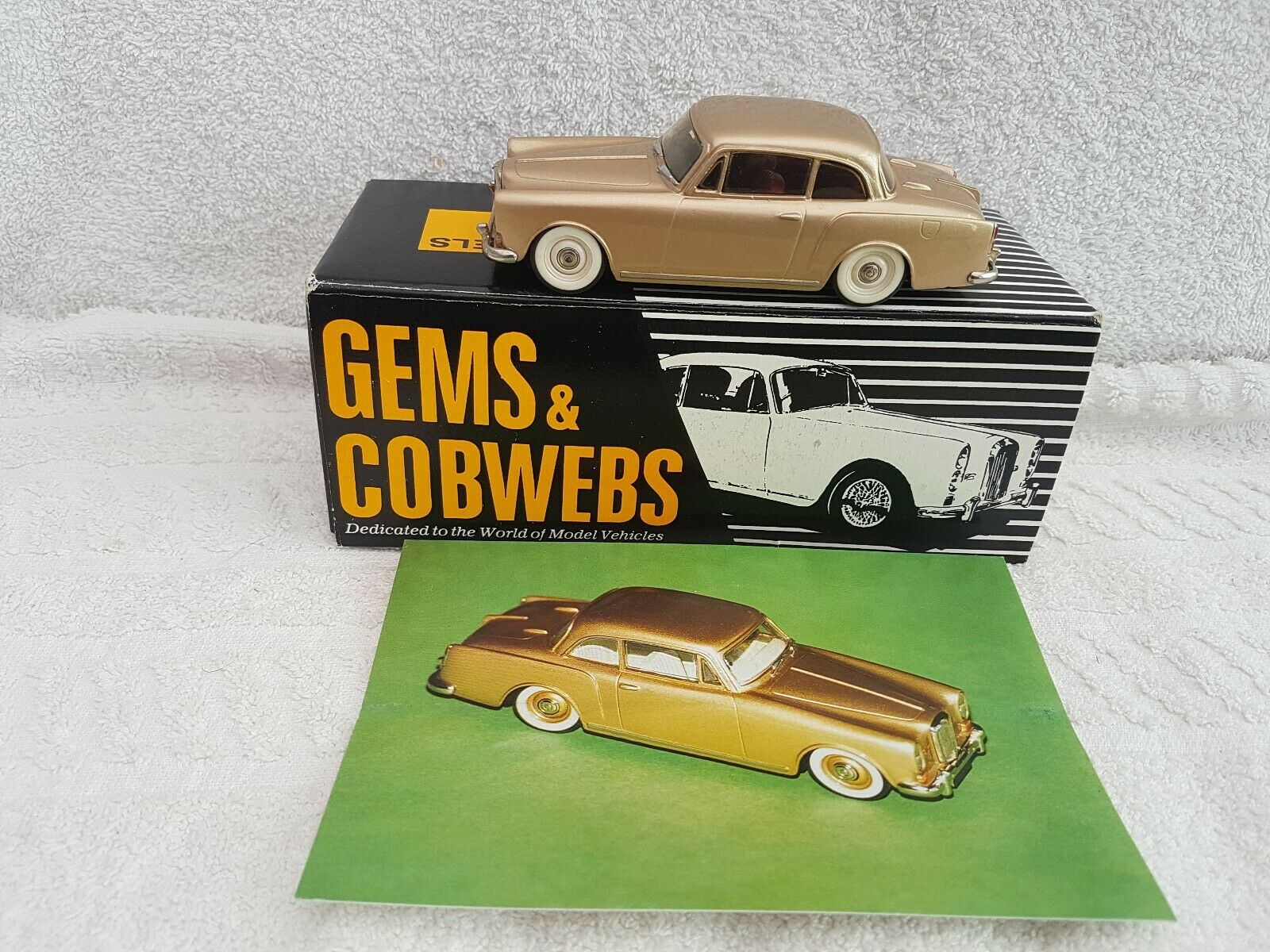 Gems And Cobwebs 1 43 G.C.3 Alvis TF21 Saloon 1966 gold