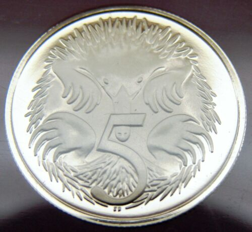 SCARCE Only 68,000 made 1980 5 cent proof coin Brilliant coin in 2 x 2 holder