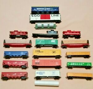 HO-Scale-Lot-of-18-Freight-Cars-Box-Coal-Wood-Cabooses-etc-TYCO