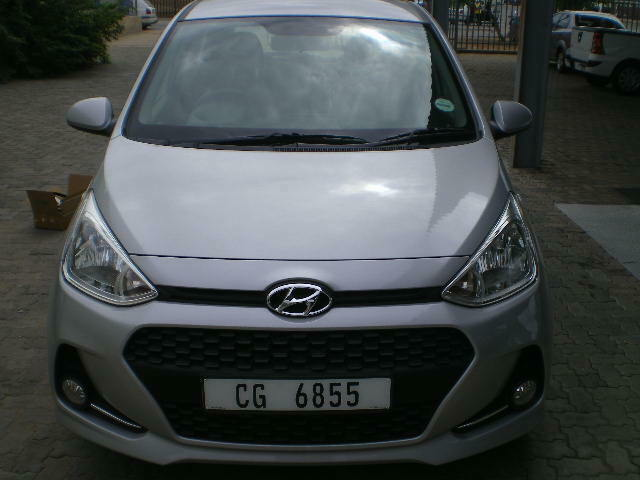 Silver Hyundai Grand i10 1.0 Motion AT with 16000km available now!