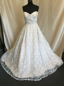 Ivory Lace Bridal Gown