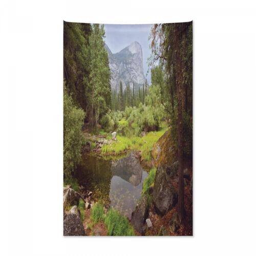 Natur Wandteppich und Tagesdecke Frühlings-Wald Berg Druck