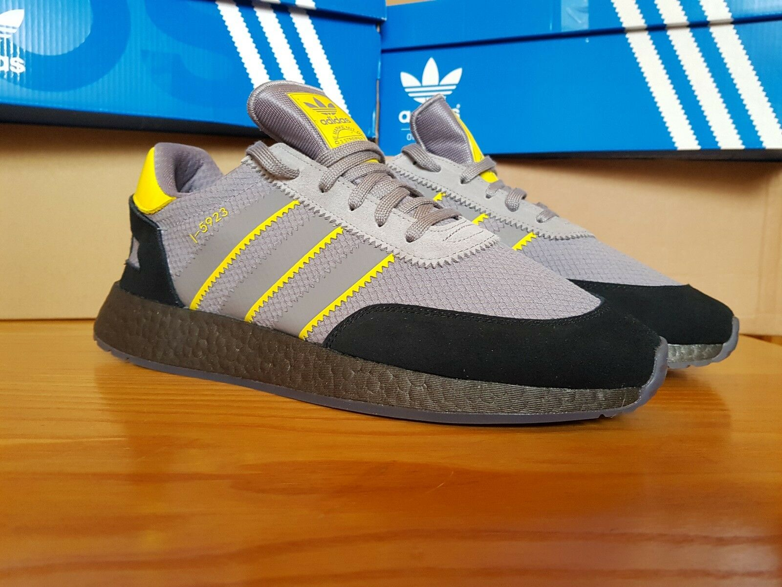 ADIDAS I-5923 MANCHESTER SHOWERS UK11 DEADSTOCK IN-HAND RARE SOLD-OUT BNIB