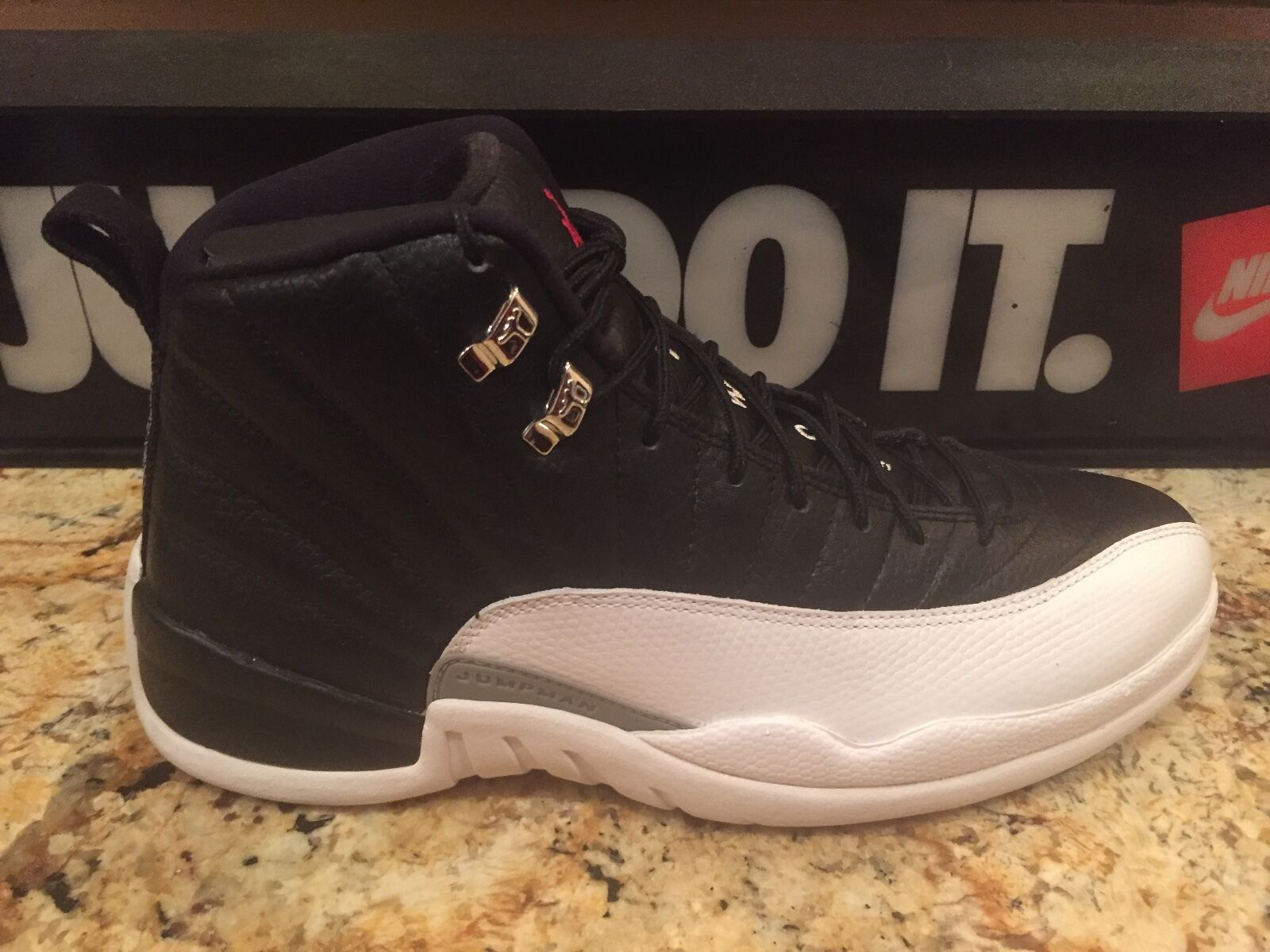 NIKE AIR JORDAN RETRO XII SIZE 11  PLAYOFF   130690 001 FLINT WINGS DS 12