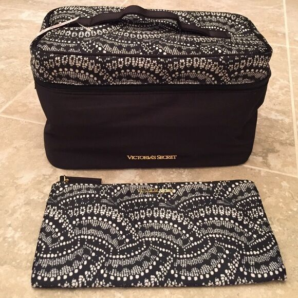 e65413e5020f4 Victoria s Secret Lingerie Case Travel Bag Bra Panties Purse Black White  for sale online