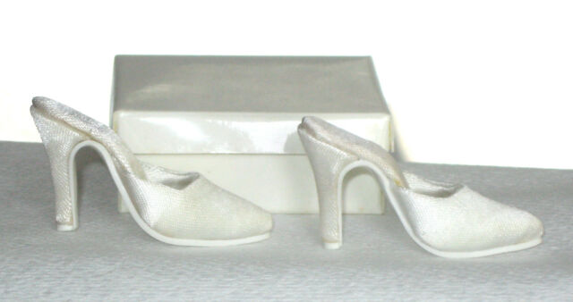 """Doll Shoes Slipper / Slide OFF-WHITE SATIN fit CANDI 16"""" ELLOWYNE perfectly, NEW"""