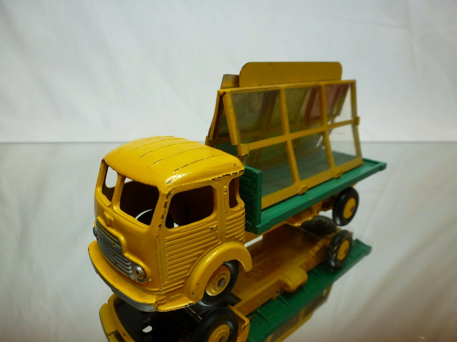 DINKY TOYS 33 SIMCA CARGO MIROITIER - jaune 1 43 - GOOD CONDITION