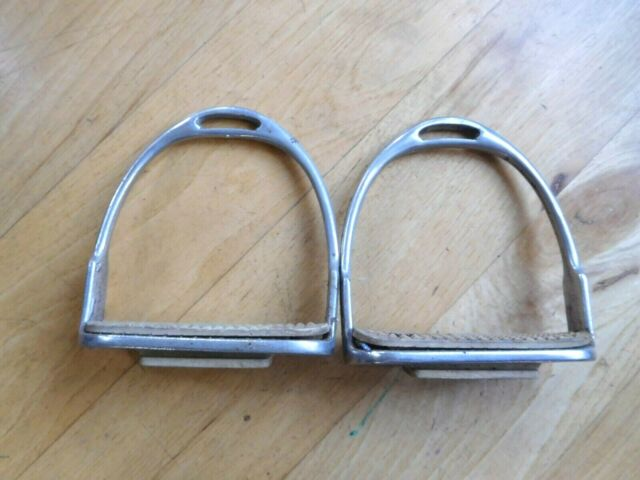 "CHILDREN ENGLISH SADDLE FILLIS IRONS STIRRUPS 4/"" STAINLESS STEEL WITH WHITE PADS"
