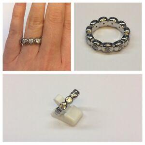 BEAU-moderne-anneau-bijoux-fantaisie-bague-pour-femme-avec-blanc-petites-pierres