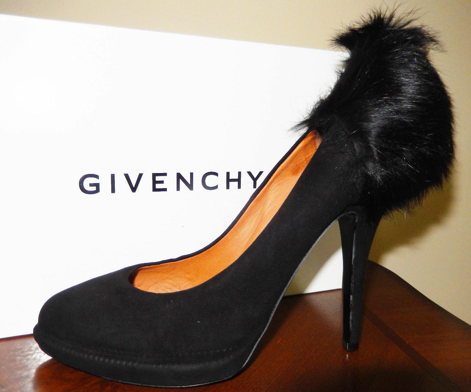 1,275 Givenchy shoes Pumps Black Suede & Mink Fur US 7   38 Made in  NIB