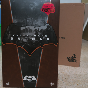 Hot-Toys-MMS-372-Batman-vs-Superman-dawn-of-justice-Batman-Knightmare-1-6-scale