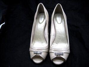 Giani-Bernini-10M-Vicenta-beige-off-white-peep-toe-pumps-womens-shoes-heels