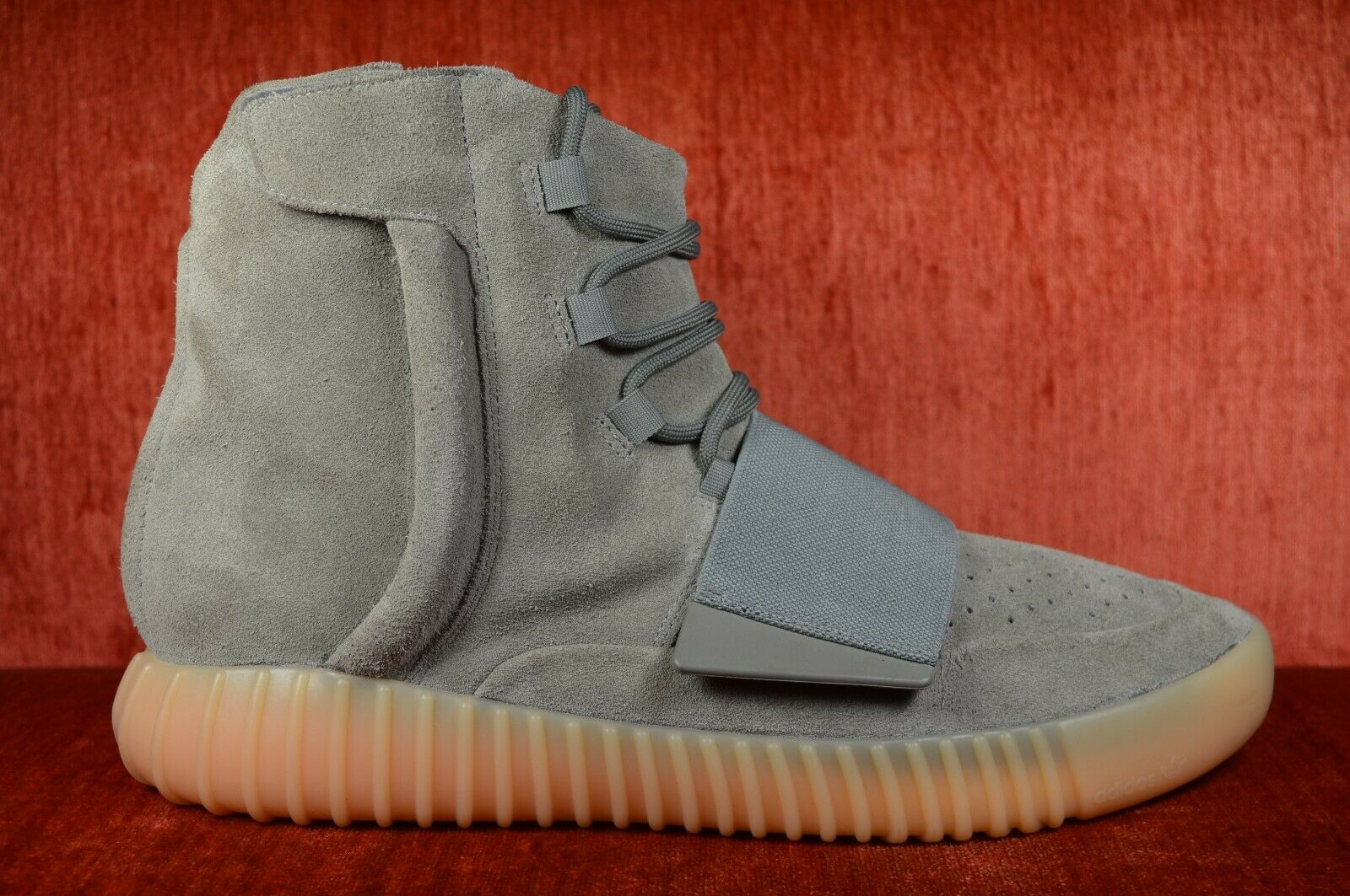 WORN TWICE Adidas Yeezy Boost 750 Grey Gum Glow in the Dark BB1840 Size 12