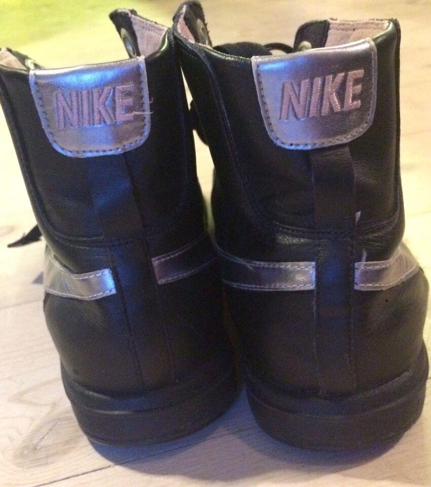 Sneakers, str. 40,5, Nike