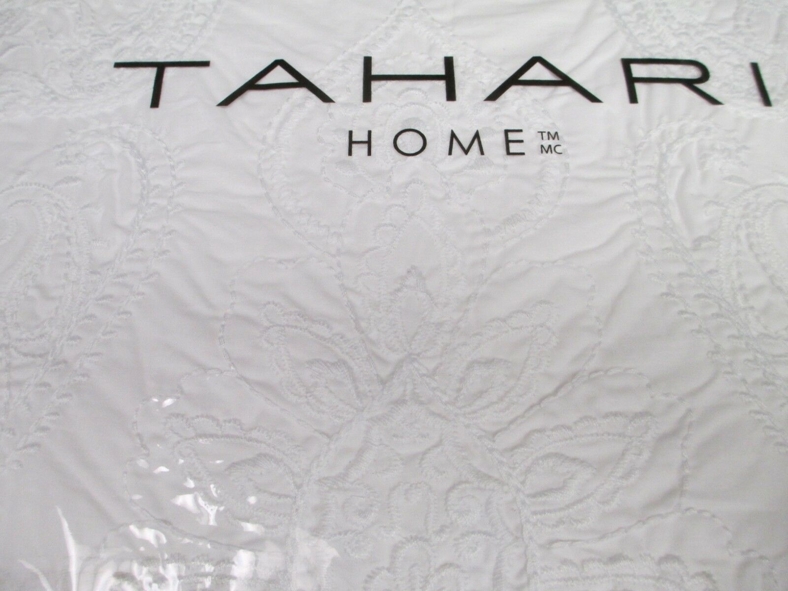 TAHARI 3pc bianca Embroiderosso Damask Floral Duvet Set - Full Queen