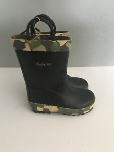 BNWT-Little-Boys-Size-9-Rivers-Doghouse-Brand-Black-with-Green-Camo-Gumboots