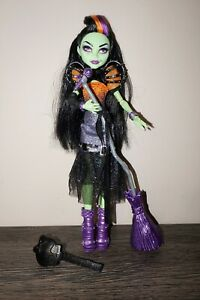Monster High doll Casta Fierce The Daughter of Circe brims Mattel