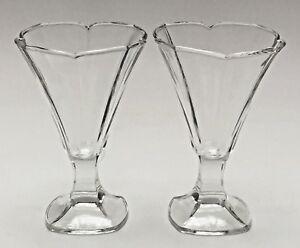 Vtg-French-Crystal-Glass-Goblet-Depression-Fleur-Petal-Goblet-Water-Arcoroc