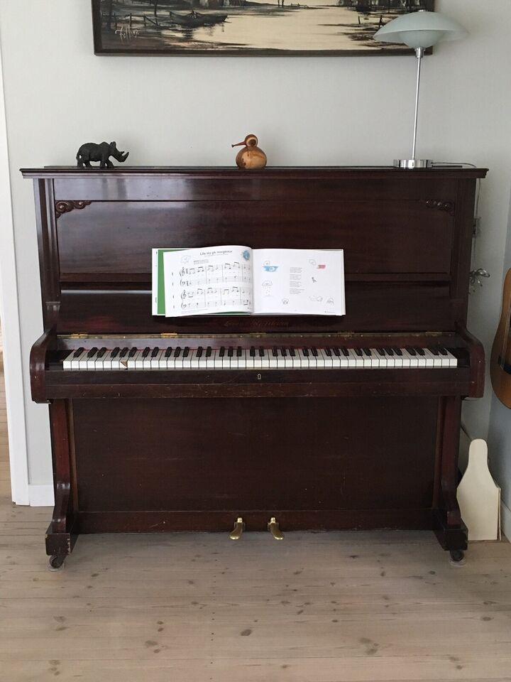 Klaver, Larsen & Petersen