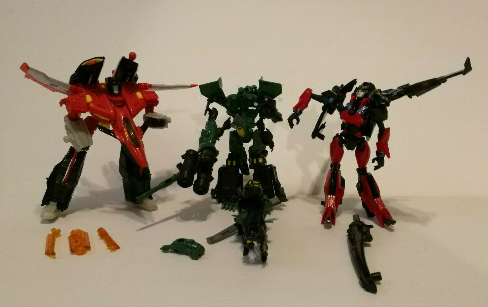 Three Transformers Generations WINDBLADE STARSCREAM MINI-CON ASSAULT TEAM