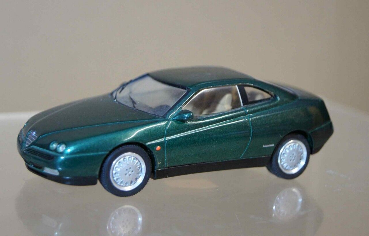 Provence Moulage 1997 Alfa Romeo Gtv Pininfarina 2+2 Coupe green Ar