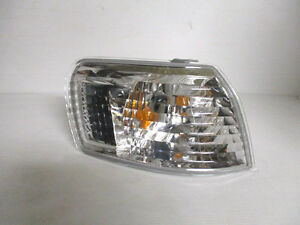 Toyota-Corolla-Jap-Import-Front-Indicator-Sidelight-Os-Offside-Right-1995-2000