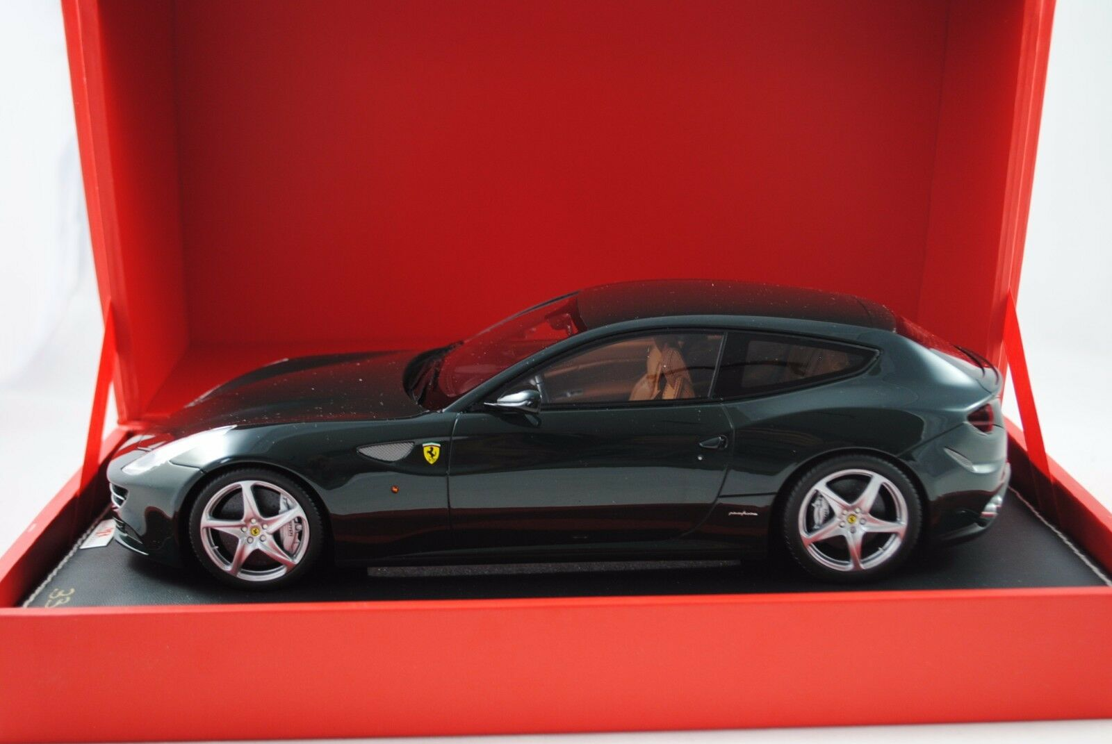 1 18 MR Collection MODELS FERRARI FF nero limita 033 199 rarità §