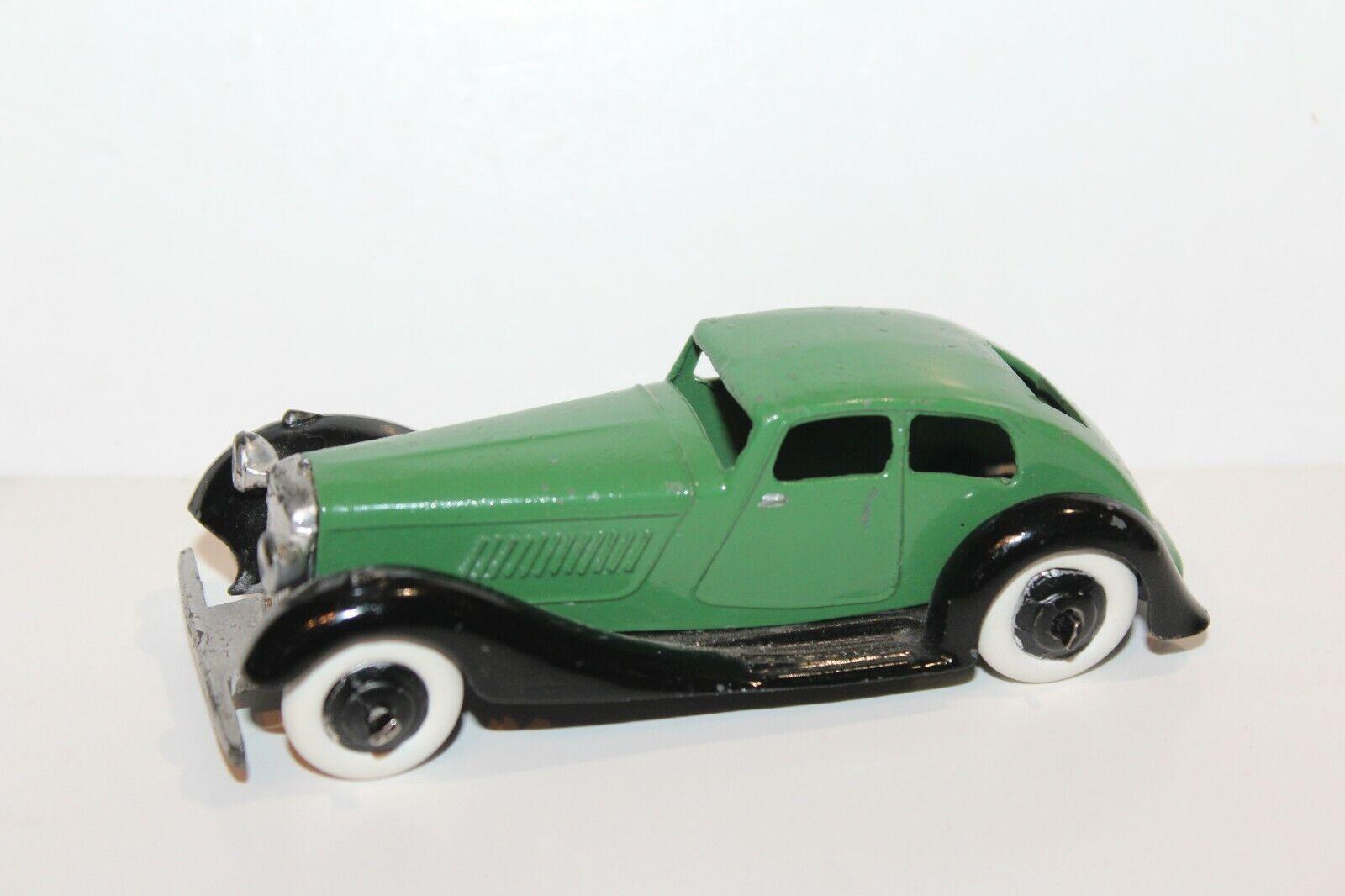 Vintage Dinky Toys 36D Rover Saloon Sedan