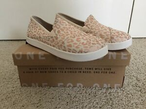52cf3686cea NEW! Toms Avalon Girls Youth Size 3.5 Natural Cheetah Foil Shoes ...