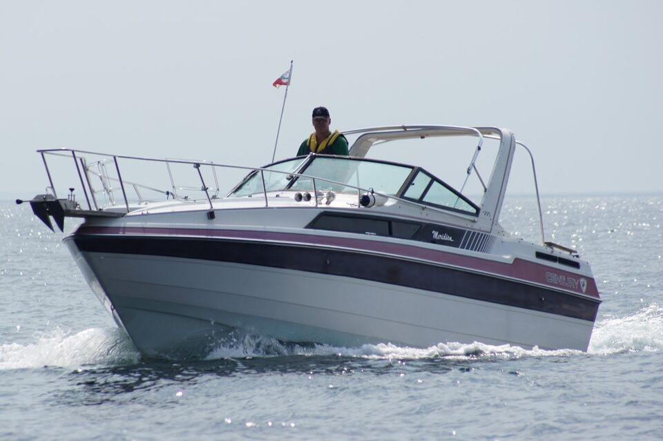 Century meridian 275, Motorbåd, årg. 1988