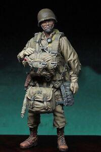 1-35-Scale-Unpainted-Resin-Figure-World-War-II-US-lieutenant-paratrooper-RARE