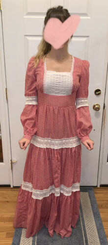 Vintage 70s GUNNE SAX Red Gingham Cluny Lace Prair