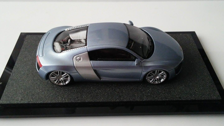 2004 Audi Le Mans Quatro 1 42 scale model