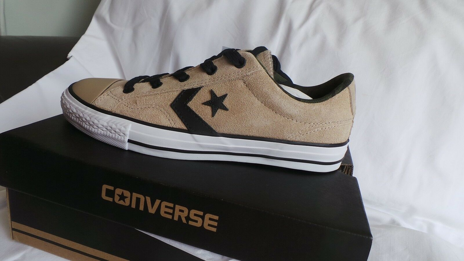 BRAND NEW in box Converse Leather Star Player Ox trainers