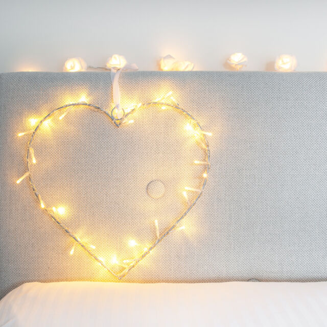 Heart Indoor Fairy Light Wreath Decoration With 40 Warm White LEDs