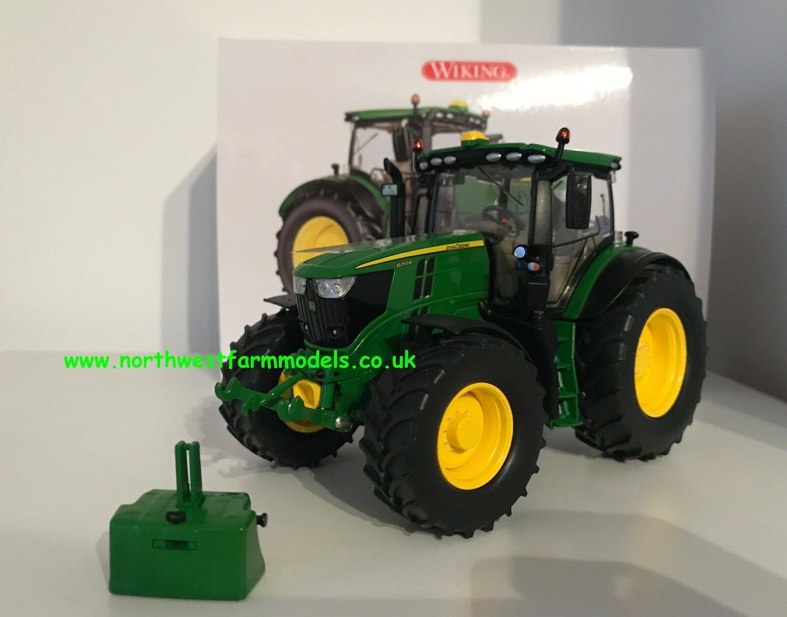 WIKING 1 32 SCALE JOHN DEERE 6250R MODEL TRACTOR WITH WEIGHT (MIB)