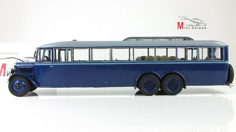 Scale model bus 1 43 YA-2 Giant, 1932 bluee