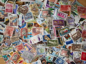 1-000-British-Commonwealth-Stamps-Off-paper-Kiloware-Mixture