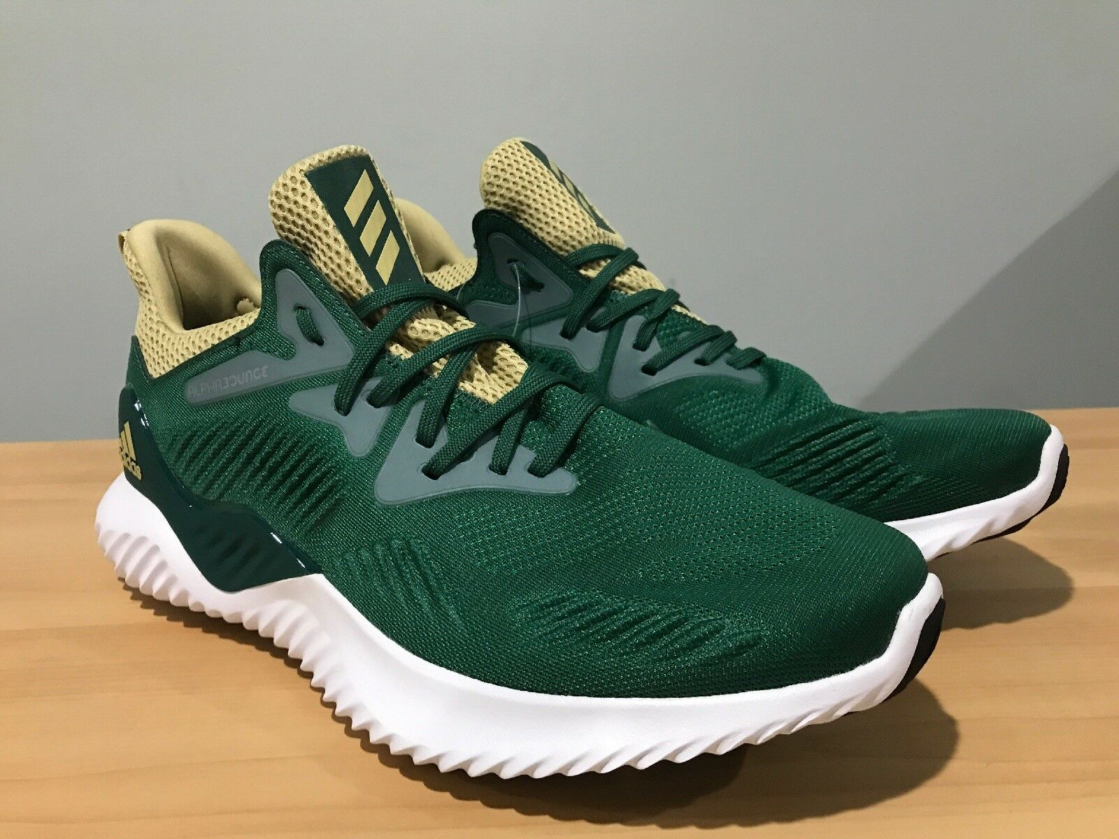 Adidas Men's Alphabounce Beyond NCAA Notre Dame Running shoes Size 9.5 F36828