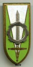 Insigne , Ec. COETQUIDAN / Groupement Auto ,  ( roue clipsée )