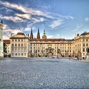 Prag-Kurzurlaub-fuer-2-Personen-First-Class-Hotel-AIDA-Gutschein-2-oder-3-Naechte