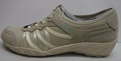 SKECHERS RELAXED FIT Memory Foam Womens Shoes Size 7.5 NICE