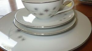 Fine China Dinnerware set Platinum Star Burst by CREATIVE Fine China Japan 38 pc