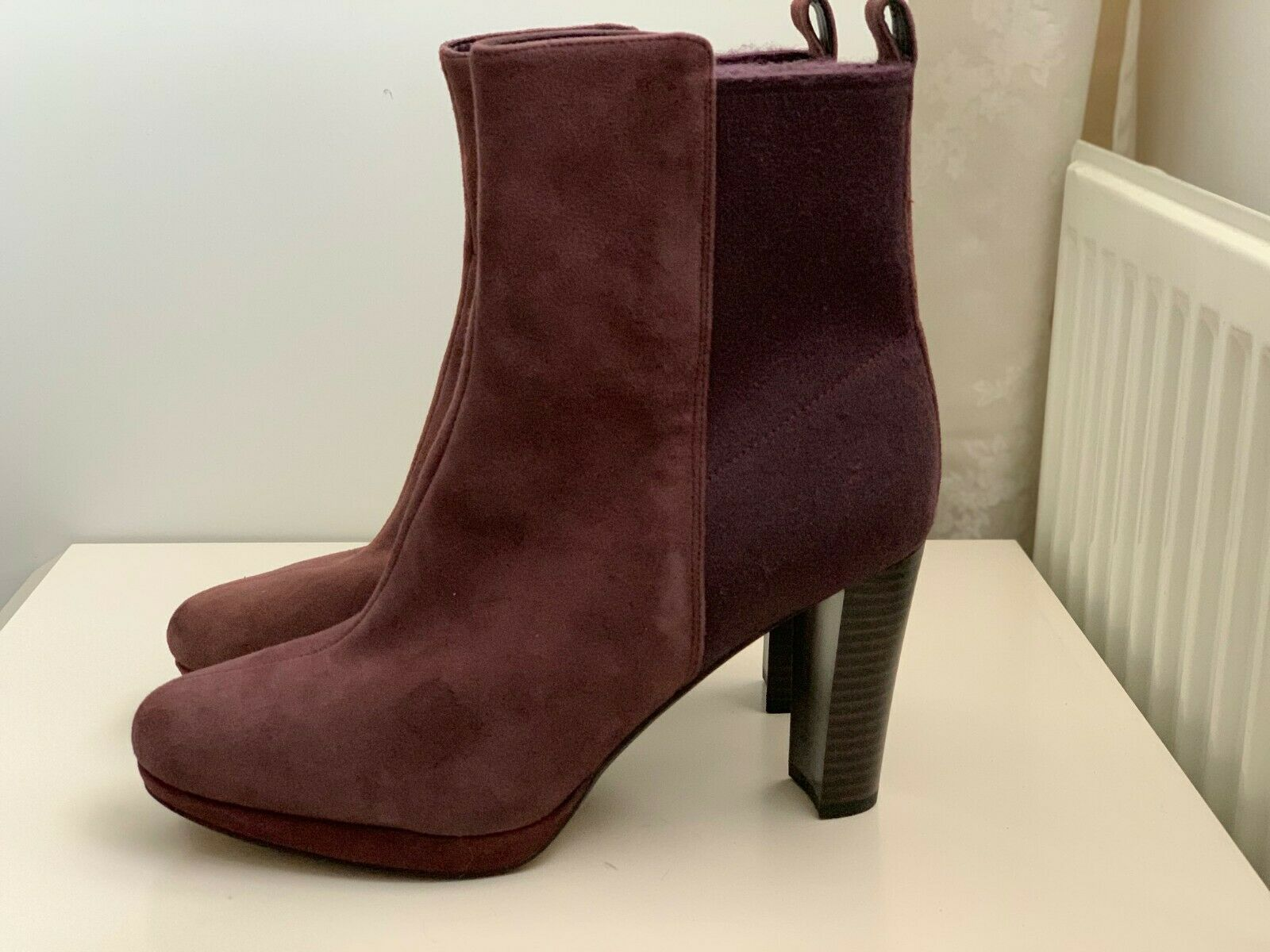 NEW Clarks Women's Kendra Porter Ankle Boots - Aubergine Suede - Fit D-E