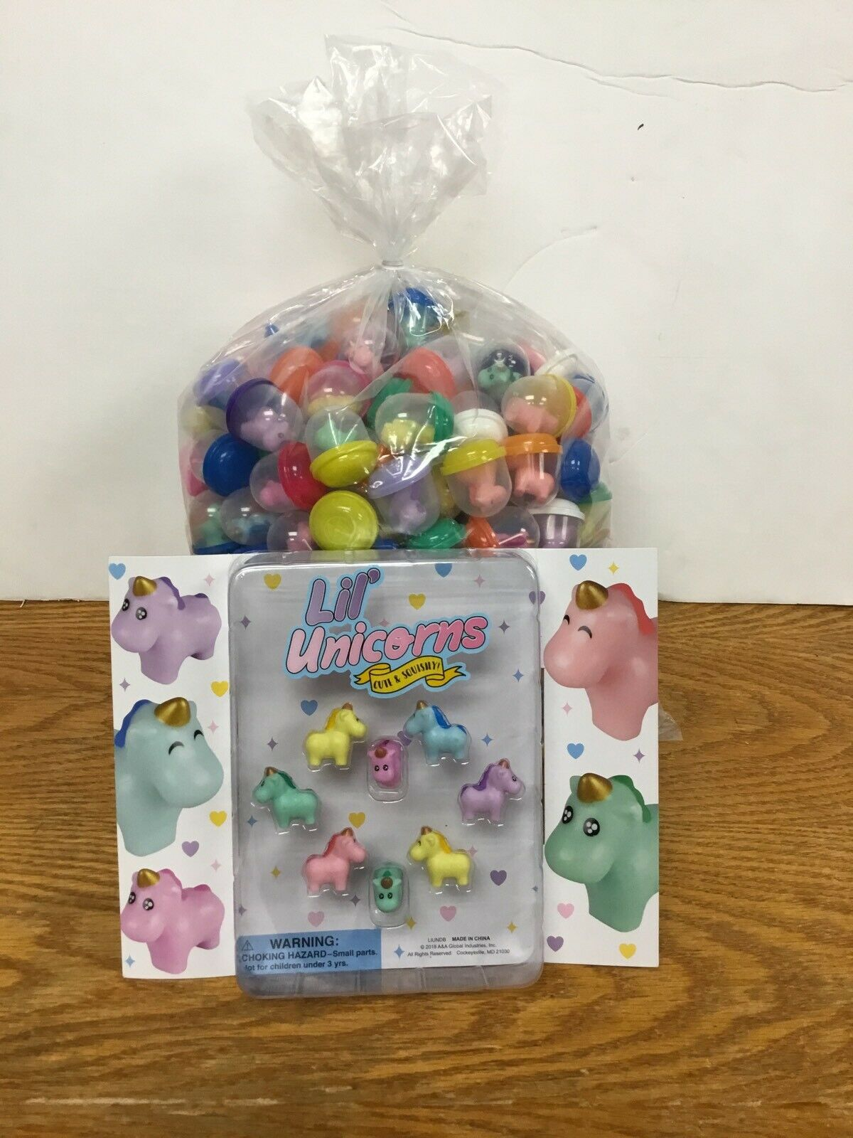 """250 Lil Unicorn Figures In 1"""" Vending Capsules With Display"""