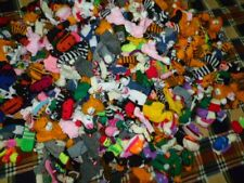 LOT 500 HANDWOVEN AND HAND KNIT FINGERS PUPPETS   FROM PERU SEE VIDEO